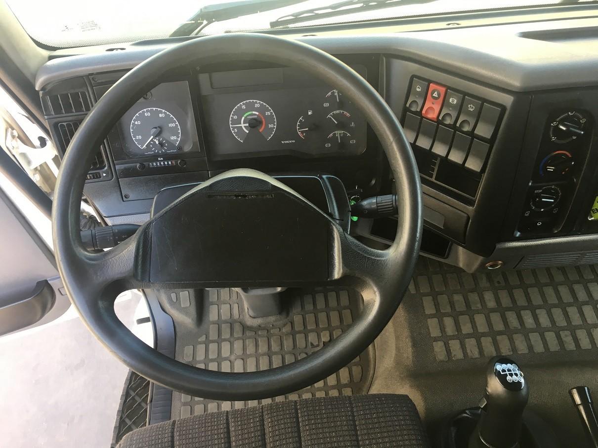 Volvo VM260 CHVL12